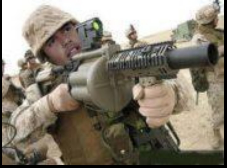 Khamis w Machine Gun