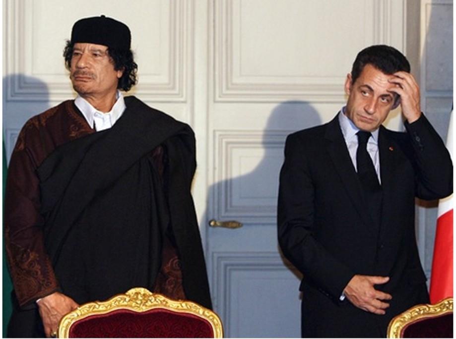 Mu 2007 DEC in France turns from SARKOZY, full shot