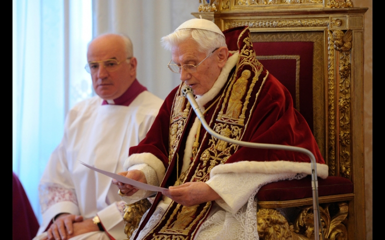 11 FEBR. 2013 RATZINGER resigns from Papacy