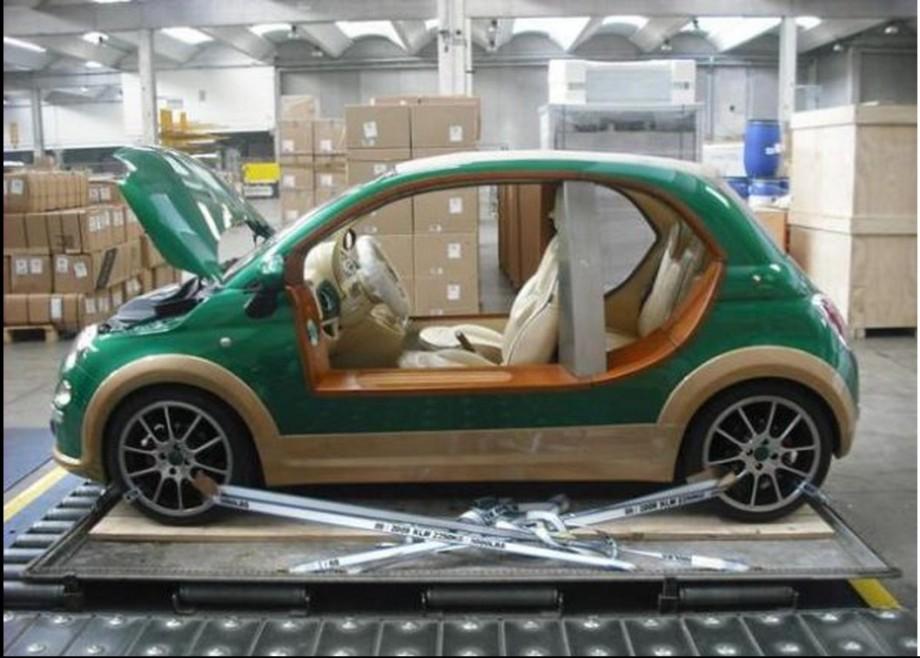 La Fiat 500  auto de Kadhafi, 2