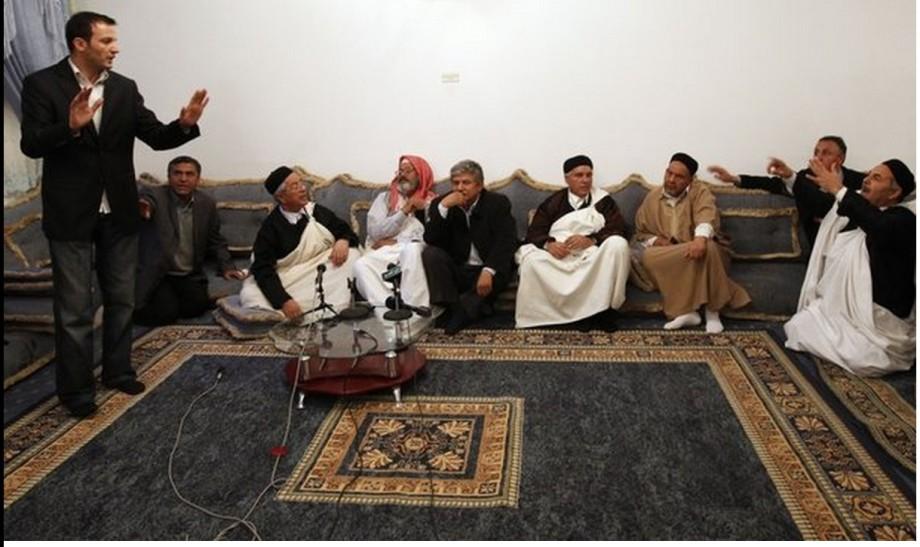 Libye, rencontre avec les tribus loyales à Kadhafi 17 Mars 2011