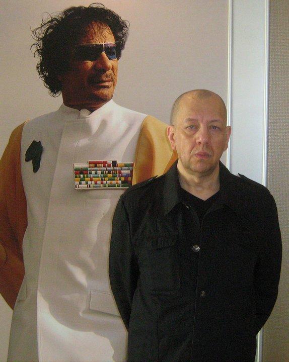 Michel Luc avec Gadhafi photo