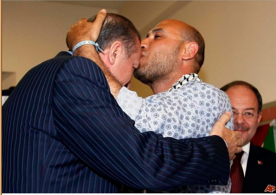 Mahdi harati, alias Giani Akkla Gneoh, shown here kissing ERDOGEN of Turkey