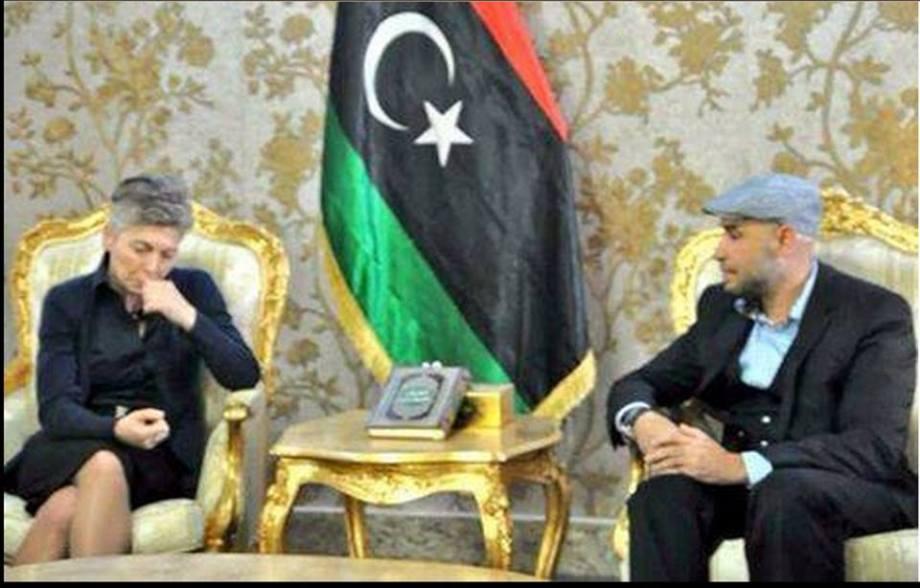 Akkla Giani Gneoh (el-M;ahdi Haratine, mayor of Tripoli) deals with the Italian mafia