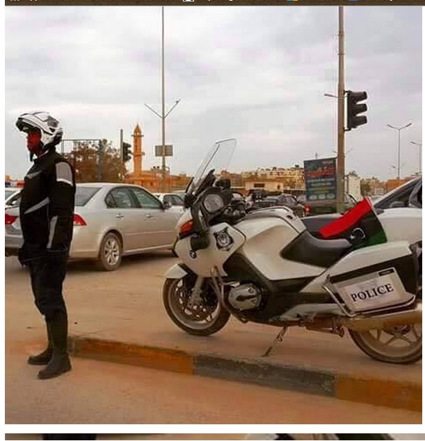Police and traffic spread in most of the streets of Benghazi, 1