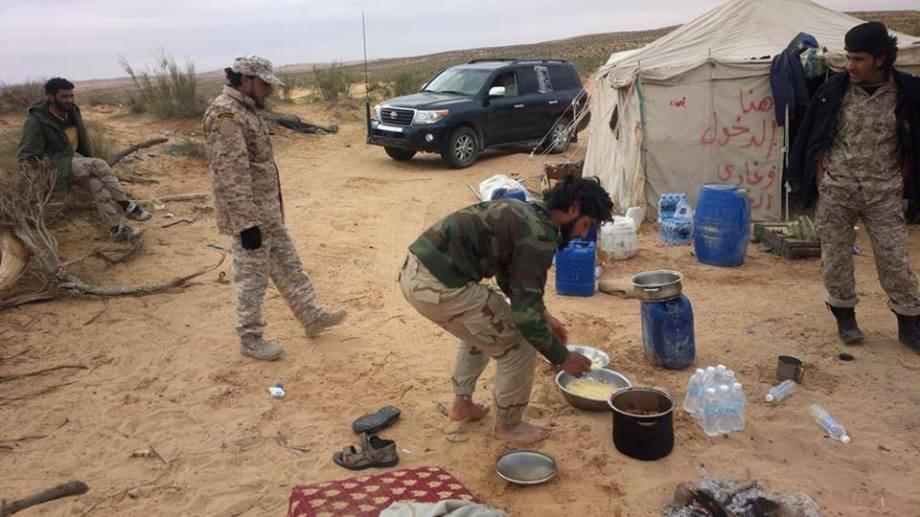 LIBYAN ARMY FEASTING