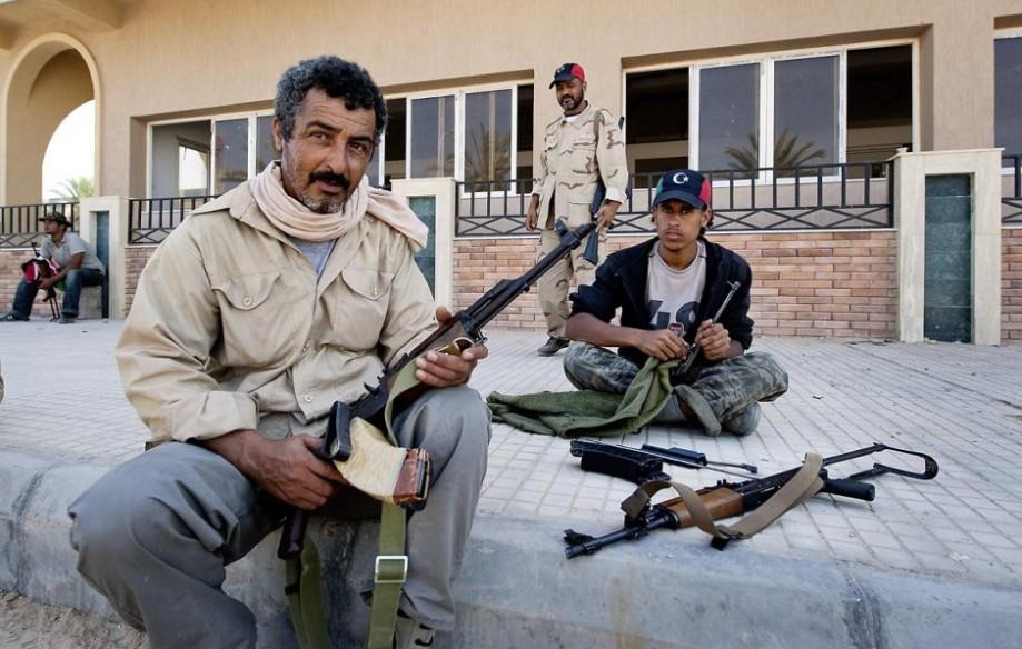 RAT 'ROMA LIBYA' Guards at RAS JEDIR