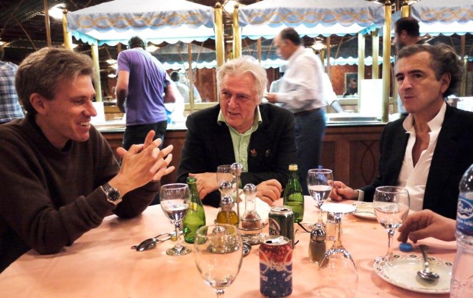 Christopher Stevens, Gilles Hertzog et Bernard-Henri Lévy en TRIPOLI