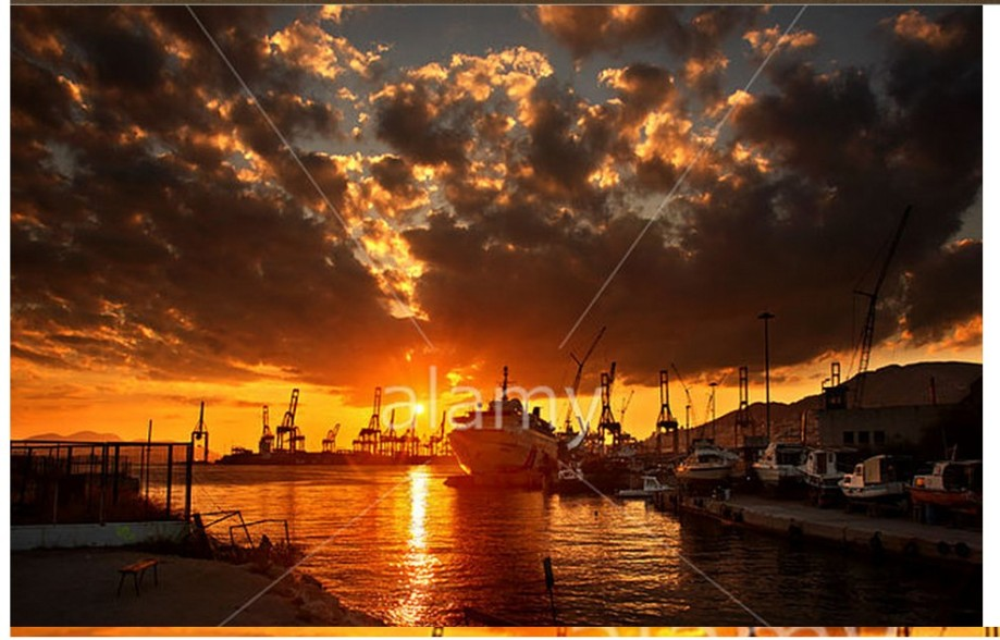 sunset-at-the-limanaki-small-port-of-aghios-georgios-keratsini-drapetsona