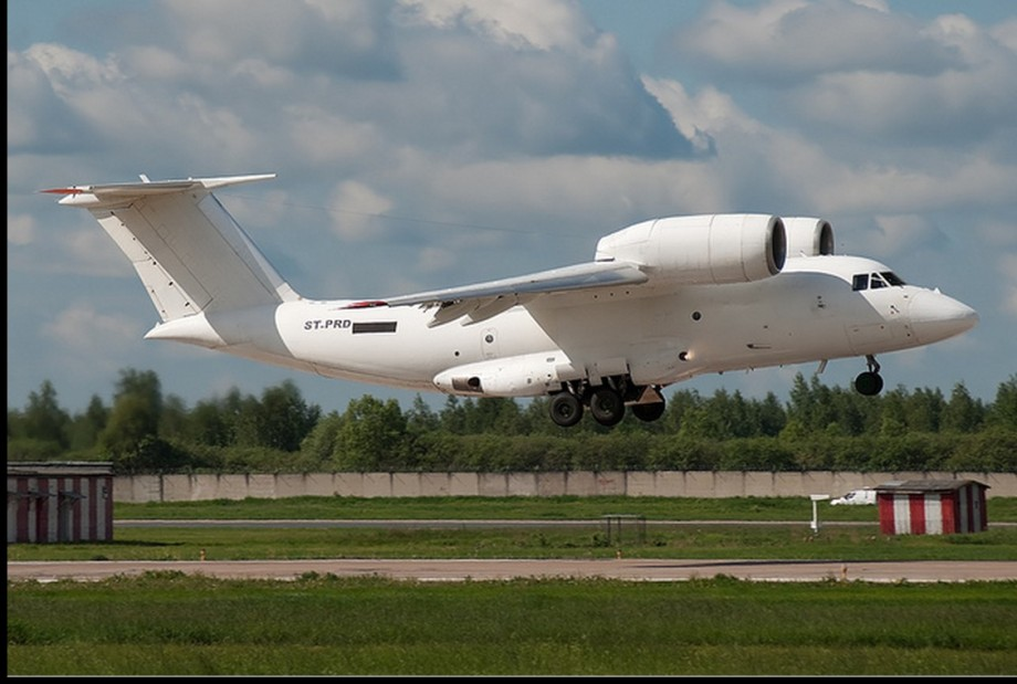 plane-antonov-74-sudanese-lands-ia-heathen-airport-al-kufra