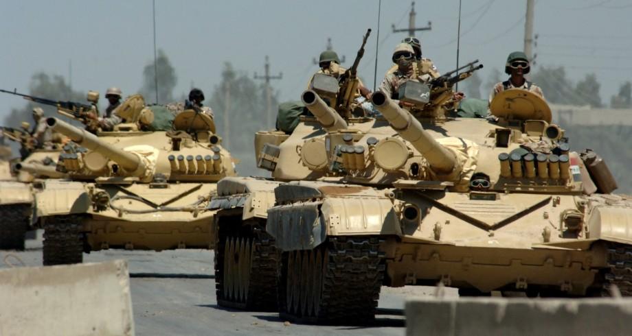 battling war tanks