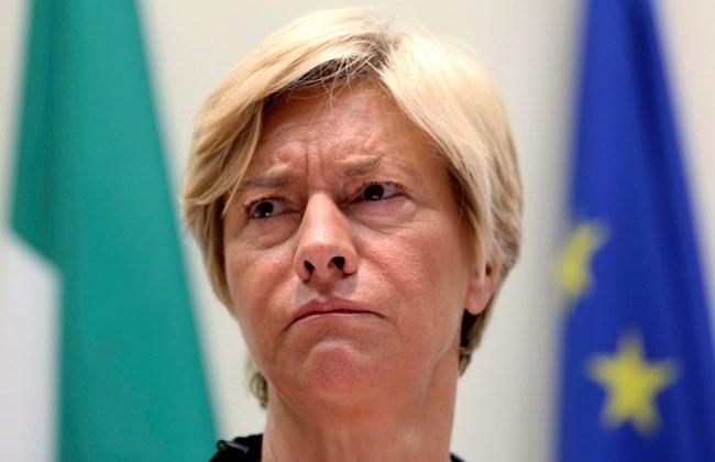 Roberta Pinotti, Italian defense Minister