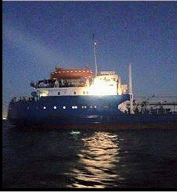 Tanker filled w Libyan stolen crude