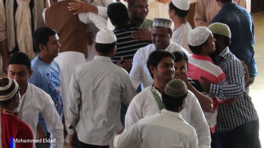 6 people who are expatriate workers from Bangladesh, living now in ZINTAN, convert to Islam. at MOSQUE Farouk al-Zintan