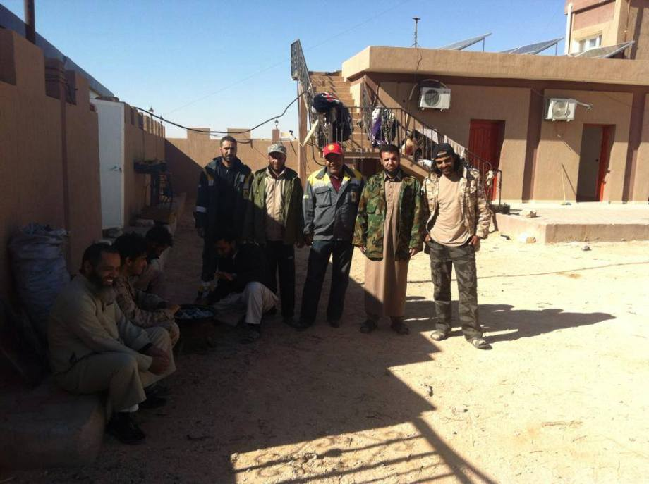 Men protecting the Algerian-Libyan border