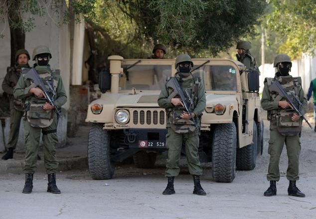 Tunisian Forces deny Libyans entry