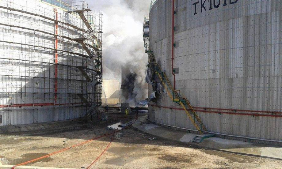 Fire put out in a power plant reservoir north of Benghazi